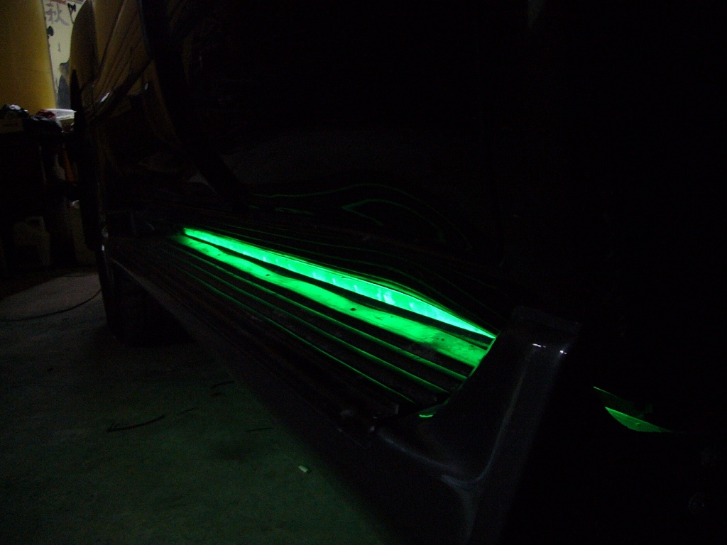 Подсветка порогов автомобиля своими руками 77