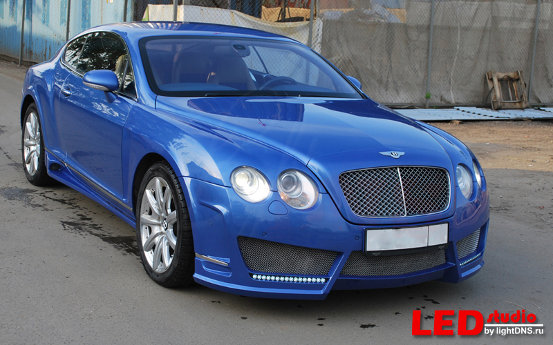 Bentley Continental GT day-light